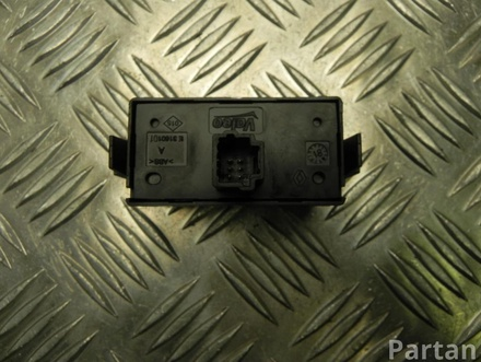 DACIA 252905668RB SANDERO II 2018 Emergency light/Hazard switch